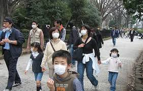 Facing the cover up: deaf people and face masks